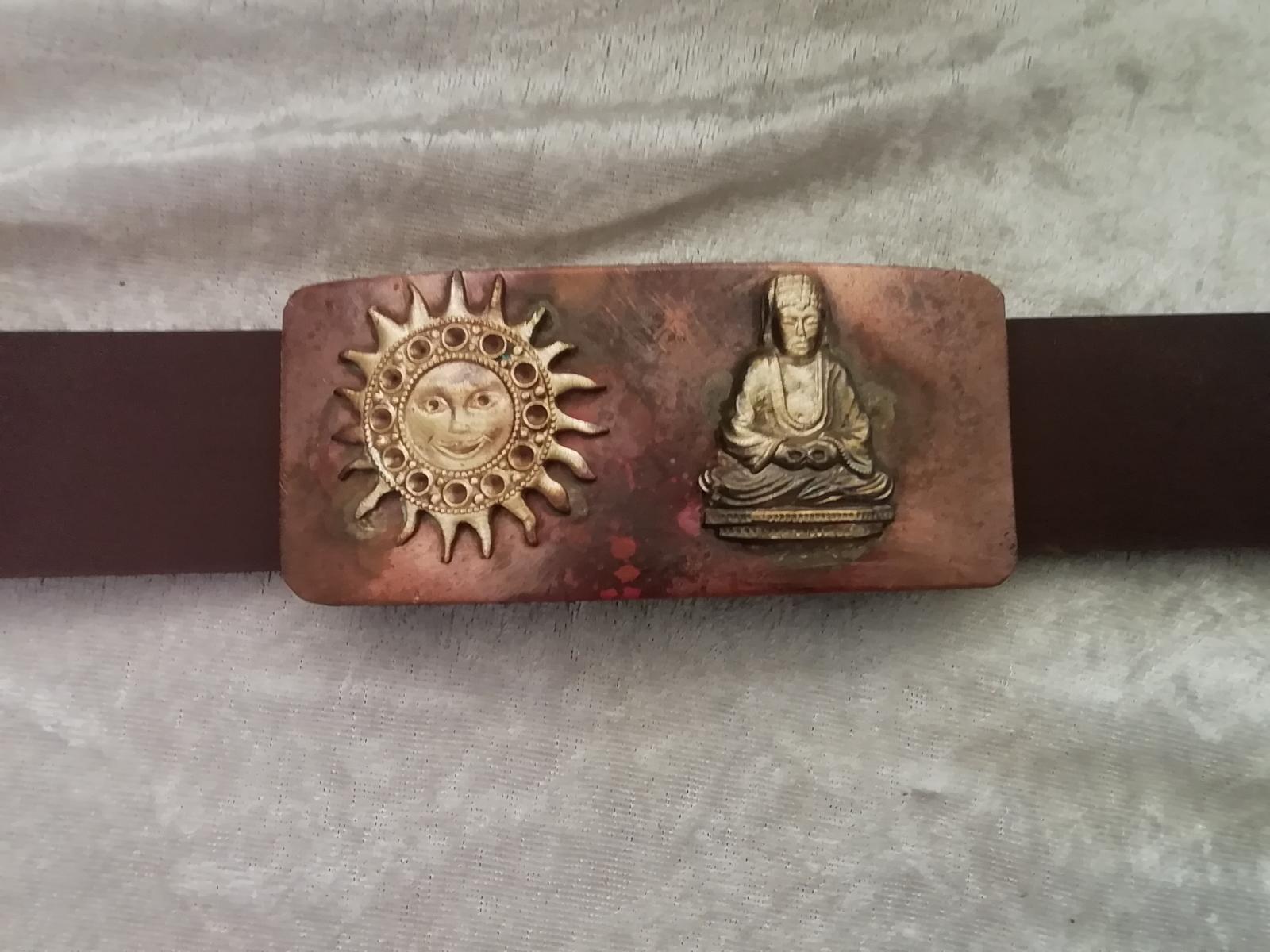 Buddha mit Surya